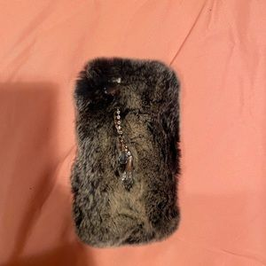 Accessories - Fur Case for iPhone 6